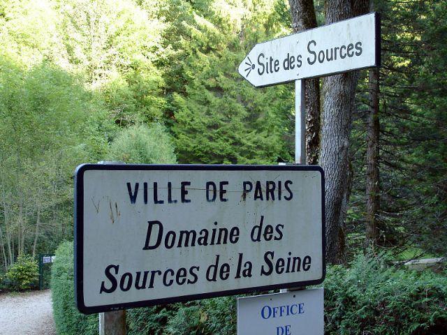 800px-Source_de_la_Seine_01